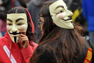<!--:es-->'Occupy Wall Street' agrega la «Reforma migratoria» a su movimiento …Activistas dicen que los indocumentados también son víctimas del despilfarro financiero<!--:-->
