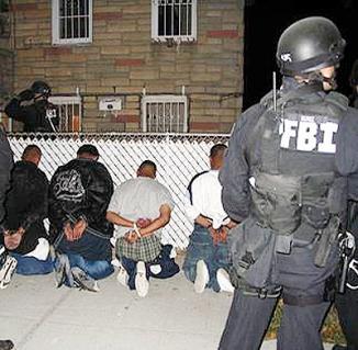 <!--:es-->FBI: las pandillas hispanas están creciendo más que otras<!--:-->