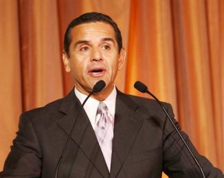 <!--:es-->Alcalde de Los Angeles dice que 'estos son los peores tiempos para un inmigrante en EU' …Antonio Villaraigosa reiteró su apoyo a una reforma migratoria comprensiva<!--:-->