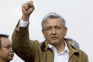 <!--:es-->López Obrador venció a Marcelo Ebrard …Encuesta reveló al favorito para la candidatura de la izquierda<!--:-->