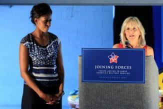 <!--:es-->Michelle Obama y Jill Biden abucheadas en la final de NASCAR<!--:-->