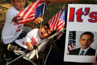 <!--:es-->Miles de niños inmigrantes envían cartas a Obama para que detenga las deportaciones …Campaña nacional presiona al gobierno para evitar la separación de familias<!--:-->