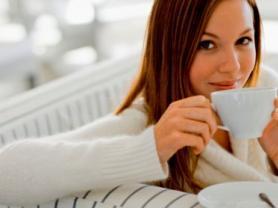 <!--:es-->Té blanco prevendría el cáncer …No por nada se dice que el té blanco es el elixir de la vida: esta bebida es rica en antioxidantes y sustancias antiinflamatorias que ayudarían a evitar factores asociados con diversas enfermedades como el cáncer o la diabetes.<!--:-->
