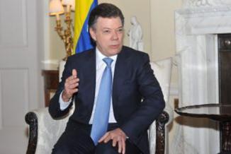 <!--:es-->Santos lanzó advertencia a criminales que despojen de su tierra a campesinos  …Santos fue contundente<!--:-->