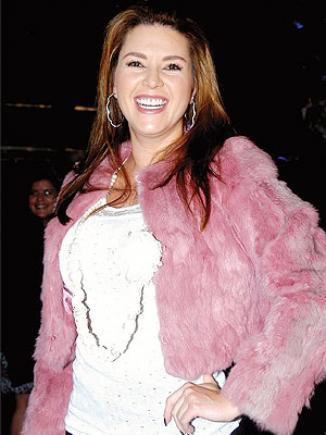 <!--:es-->Alicia Machado se unirá a Perfume de Gardenia …La ex reina de belleza participará del musical, al tiempo que presenta una línea de zapatos y prepara un álbum<!--:-->