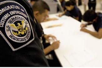 <!--:es-->Abuso sexual en cárceles de ICE enfrenta a las agencias …Nuevas regulaciones en prisiones federales y estatales deberán entrar en vigor en 2012<!--:-->