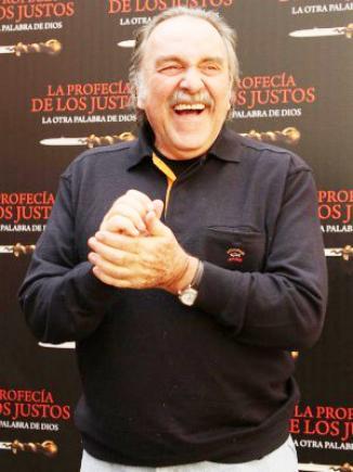 <!--:es-->Muere el primer actor Pedro Armendáriz Jr. …El legendario actor, parte de una de las dinastías más importantes del arte en México, falleció de cáncer en el ojo en la ciudad de Nueva York<!--:-->