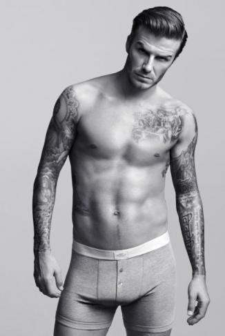 <!--:es-->David Beckham está 'orgulloso' de su ropa interior<!--:-->