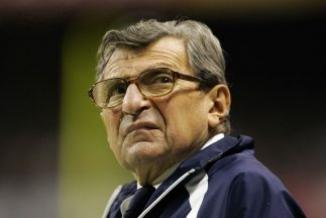 <!--:es-->Joe Paterno, ex entrenador de Penn State, falleció a los 85 años<!--:-->