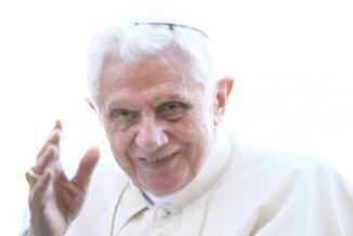 <!--:es-->Más de un millar de personas piden viajar desde Miami a Cuba para ver al papa<!--:-->