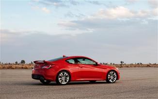 <!--:es-->2013 Hyundai Génesis Coupe- Perfecto para todo tiempo …Un Elegante y distinguido deportivo en la arena de juego<!--:-->