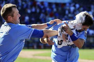 <!--:es-->Hunden errores a los Rangers …Provoca Francour pifia de defensiva texana en la décima y Reales gana partido<!--:-->
