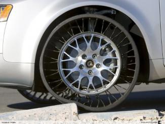 <!--:es-->Super Novedad en neumáticos …Llevan siendo probados desde hace muchos años. Resilient Tech los ha desarrollado para usos militares.<!--:-->
