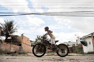 <!--:es-->Perderían sus casas por obras olímpicas …En Río, unas 22 mil personas viven con miedo de perder sus hogares y 8 mil ya han sido desalojadas<!--:-->