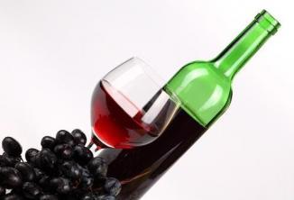 <!--:es-->Un trago de alcohol por día mejora la salud femenina<!--:-->