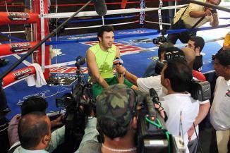 <!--:es-->Derrotaré a la Maraniña.- Chávez Jr. …El sinaloense de 25 años abrió hoy las puertas de su campo de entrenamiento en la Ciudad de Juego<!--:-->