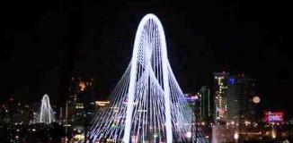 <!--:es-->La nueva postal de Dallas &#8230;La obra del español Santiago Calatrava logra, en el día, exaltar el horizonte, y en la noche, iluminar la ciudad texana<!--:-->