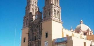 <!--:es-->&#8230;Con el Grito de Dolores inicia la Guerra de Independencia! Mexicanos: VIVA MEXICO, VIVA MEXICO, VIVA MEXICO &#8230;México celebra su Independencia el 16 de Septiembre! &#8230;Ceremonia de EL GRITO!<!--:-->