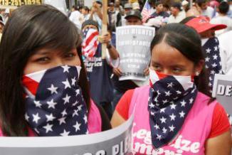 <!--:es-->'Comparar a los inmigrantes con perros es un cumplido': Steve King …Severos señalamientos<!--:-->