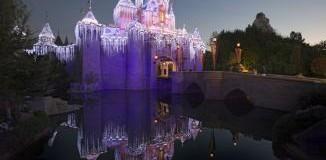 <!--:es-->La alegría Navideña reina en Disneyland y Disney California Adventure &#8230; El Lugar más Feliz del Mundo celebra las Fiestas a partir del 12 de noviembre  &#8230;Nueva decoración festiva en Cars Land y Buena Vista Street en Disney California Adventure; fuegos artificiales, un desfile Navideño y nevada en Disneyland<!--:-->