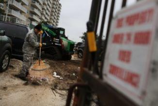 <!--:es-->Mexicanos que lo perdieron todo por 'Sandy' en NY …Consulado entregó apoyo económico<!--:-->