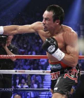 <!--:es-->Fulminante nocaut de JM Márquez  …Juan Manuel Márquez noquea a Manny Pacquiao en el sexto round y se lleva el cinturón 'Campeón de la Década'<!--:-->
