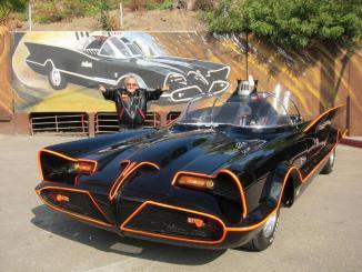 <!--:es-->El Batimóvil original a subasta …Posesión del célebre George Barris desde 1966, el Lincoln Futura de Batman se pone en venta.<!--:-->