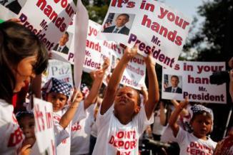 <!--:es-->Niños piden freno a deportaciones …Escribieron cartas al Congreso y le pidieron a demócratas y republicanos que detengan la separación de familias.<!--:-->