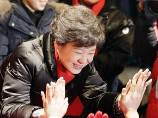 <!--:es-->South Korea elects its first female president …Elige Surcorea a su Primera Presidenta<!--:-->
