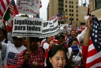 <!--:es-->2013, el Año de la Esperanza …Los anuncios de debatir la reforma migratoria vuelven a ilusionar a los 11 millones de inmigrantes indocumentados<!--:-->