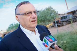 <!--:es-->Arizona sheriff orders armed 'posse' to patrol schools …Arpaio propone enviar tropas a México para frenar la violencia<!--:-->