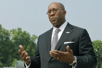 <!--:es-->Trade Representative Ron Kirk To Leave Next Month<!--:-->