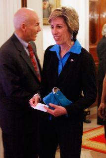 <!--:es-->Primer latina astronauta se convirtió en Directora de Centro Espacial<!--:-->