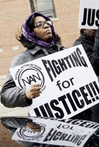 <!--:es-->No Black Nurses Request Draws Lawsuit<!--:-->