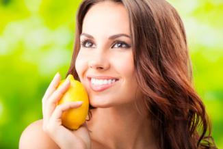 <!--:es-->Limón, el mejor arma contra las arrugas? …De ahora en adelante será tu nuevo aliado de belleza porque después de probarlo te darás cuenta de que no es necesario recurrir a cremas o tratamientos costosos.<!--:-->