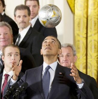 <!--:es-->Obama vuelve al primer plano en debate migratorio y visitará México en Mayo<!--:-->