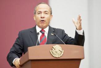 """<!--:es-->Felipe Calderón exige investigación por espionaje de EEUU en su contra …Los documentos difundidos apuntan a que el espionaje continuaría de forma más """"agresiva"""" sobre funcionarios mexicanos<!--:-->"""