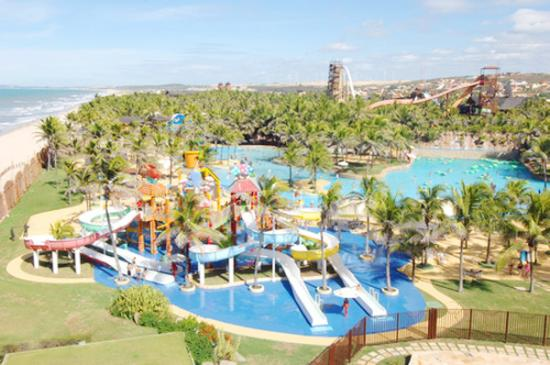 <!--:es-->Beach Park en Brasil  …Un parque acuático para la familia<!--:-->