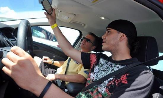 <!--:es-->Padres hispanos no saben que choques de autos son causa #1 de muertes de menores de edad<!--:-->