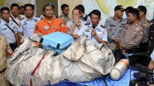 <!--:es-->Hallan restos del avión de AirAsia …Autoridades de Indonesia han recuperado 40 cadáveres del total de 162 personas que viajaban en el Airbus.<!--:-->