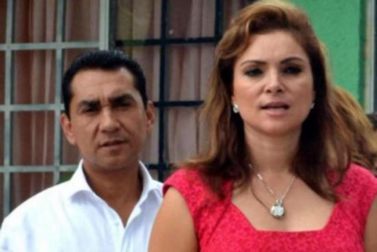 <!--:es-->Esposa de Abarca es acusada de delincuencia organizada &#8230;Pide amparo contra designación en su contra<!--:-->
