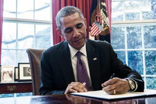 <!--:es-->Obama busca generalizar las bajas pagadas por maternidad y enfermedad en EEUU<!--:-->