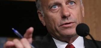 <!--:es-->El antiinmigrante Steve King ofrece la verdadera respuesta republicana al discurso de Obama<!--:-->