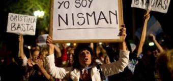 <!--:es-->Miles de argentinos marchan por la muerte del fiscal Alberto Nisman<!--:-->