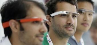 <!--:es-->Las Google Glass pueden obstruir parcialmente la visión periférica &#8230;Un estudio entre diversos participantes que usaron sistemas de soportes de realidad virtual, las conocidas Google Glass, muestran que las gafas crean una obstrucción parcial de su visión periférica, según los resultados publicados en la revista &#8216;JAMA&#8217;.<!--:-->