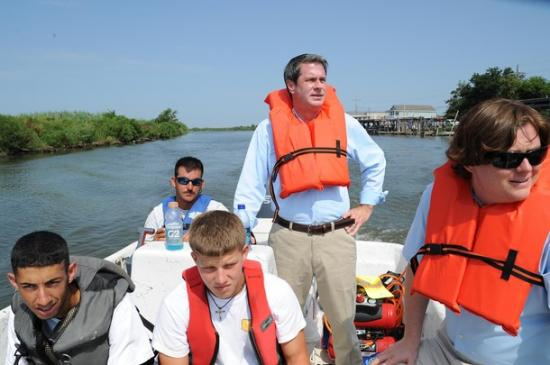 <!--:es-->GOP's Anti-Immigrant Obsession Continues with Attack on Constitution …Senator Vitter Proposes Radical Unconstitutional Measure to Redefine Who is a U.S. Citizen<!--:-->