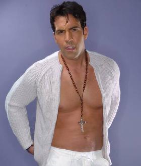<!--:es-->Felipe Viel en Men's Health en Español<!--:-->
