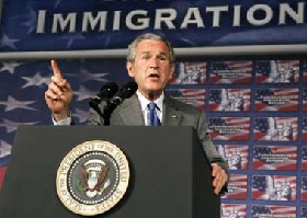 <!--:es-->Señala Bush avance en Plan Migratorio!<!--:-->
