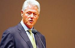 <!--:es-->Deportaciones Masivas &#8216;serían una locura&#8217;: Clinton<!--:-->