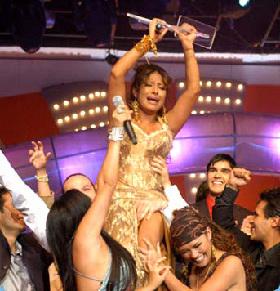 <!--:es-->Toñita, la Ganadora Indiscutible del Desafío de Estrellas!<!--:-->